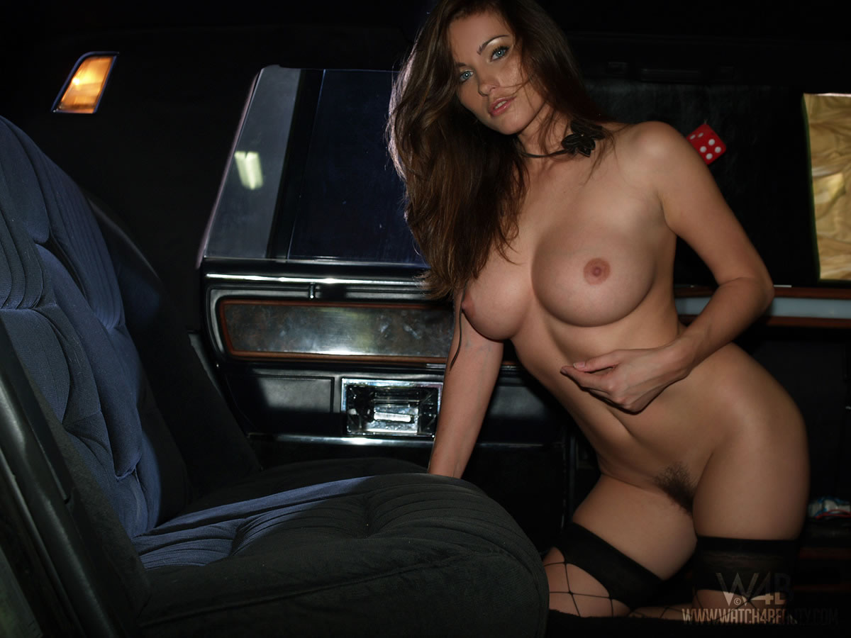 Голая В Машине