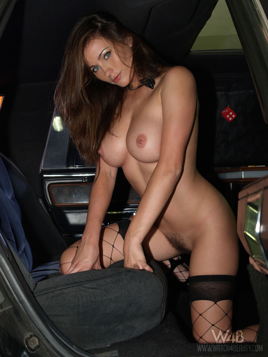 Advise you Naked in the limo