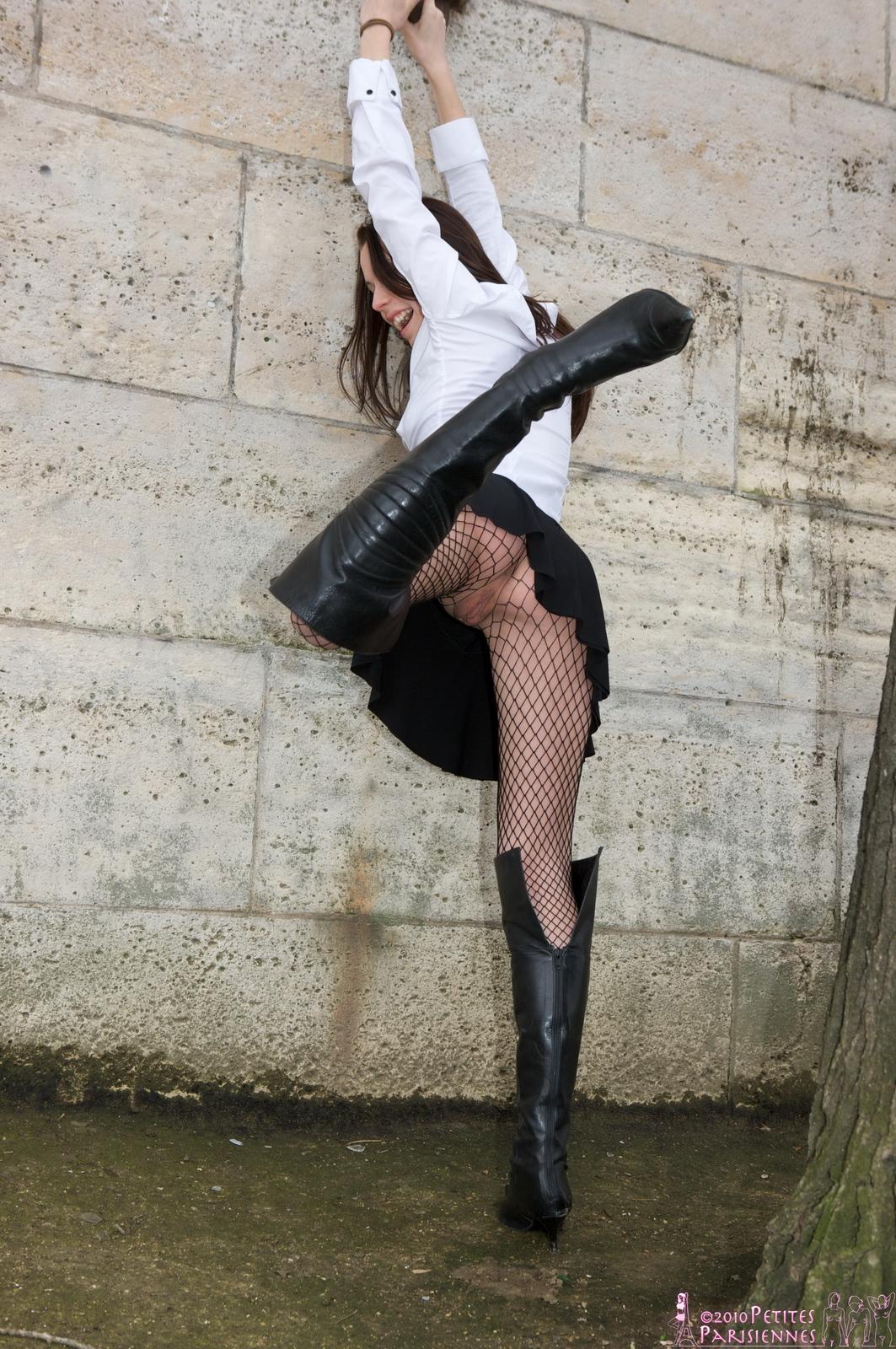 laetitia-fishnet-bodystocking-public-nude-river-petites-parisiennes-10