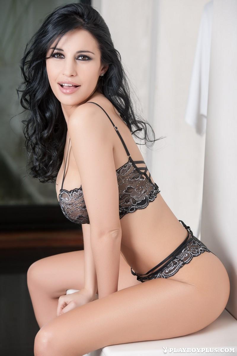 laura-cattay-lingerie-bedroom-playboy-02