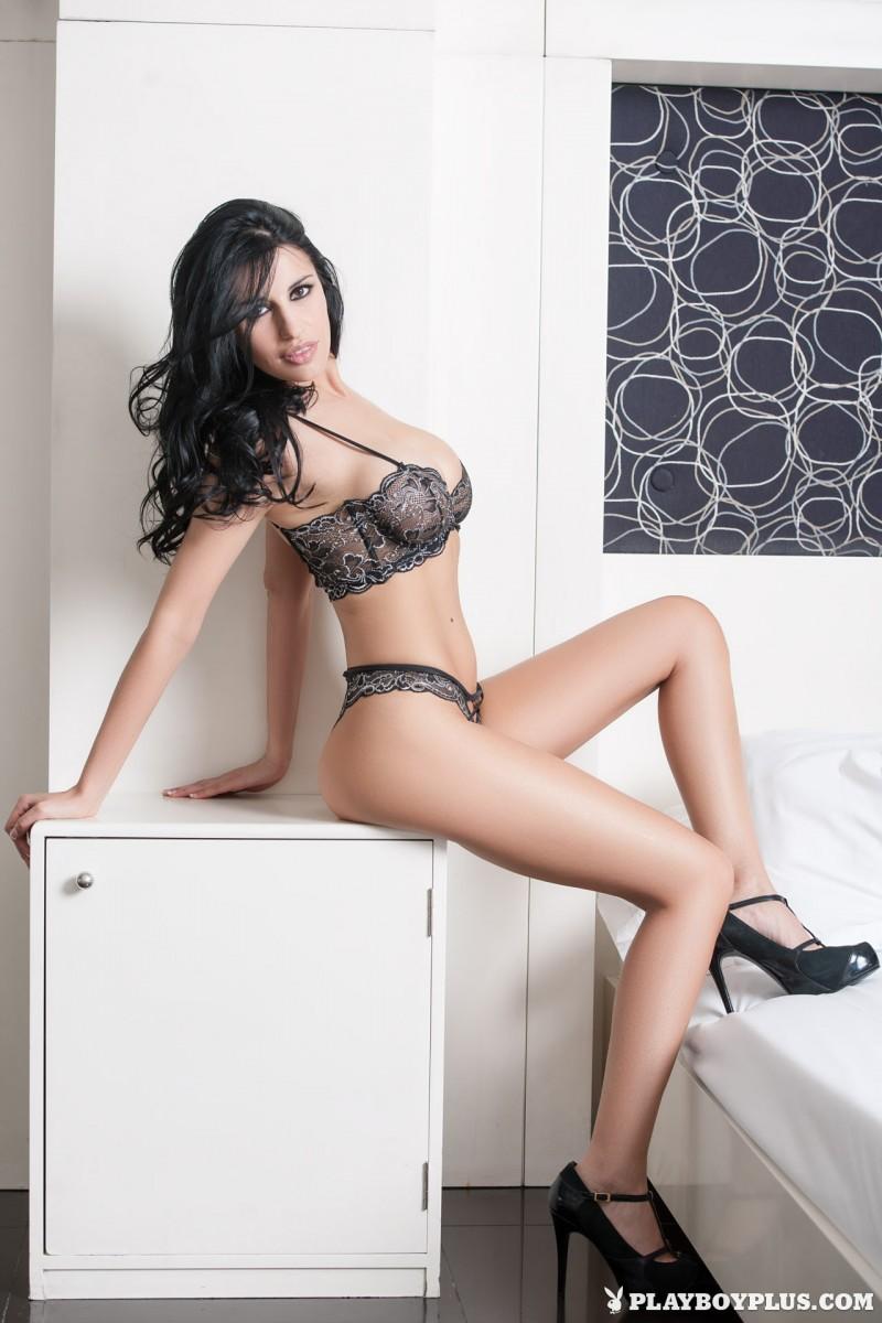 laura-cattay-lingerie-bedroom-playboy-04