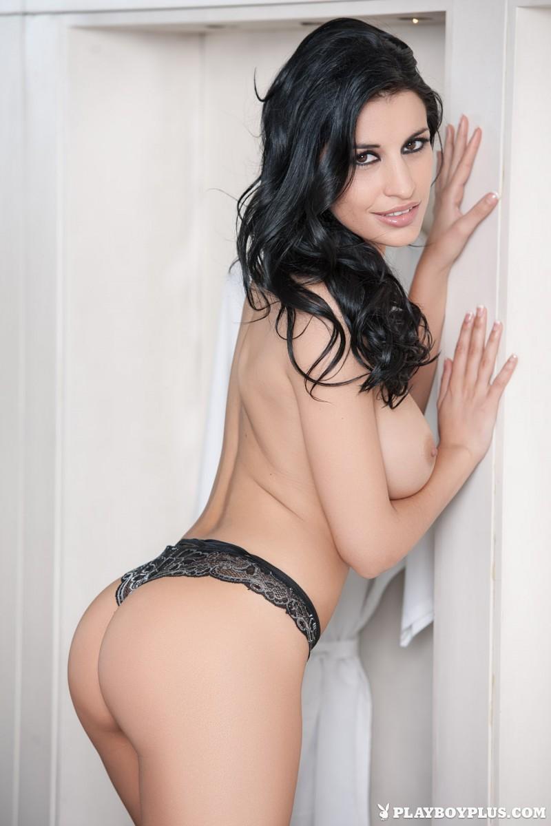 laura-cattay-lingerie-bedroom-playboy-08