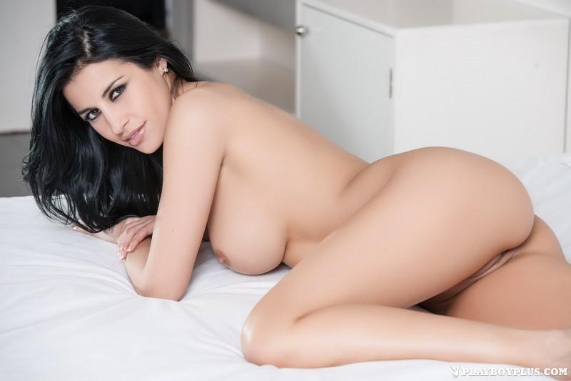 laura-cattay-lingerie-bedroom-playboy-19
