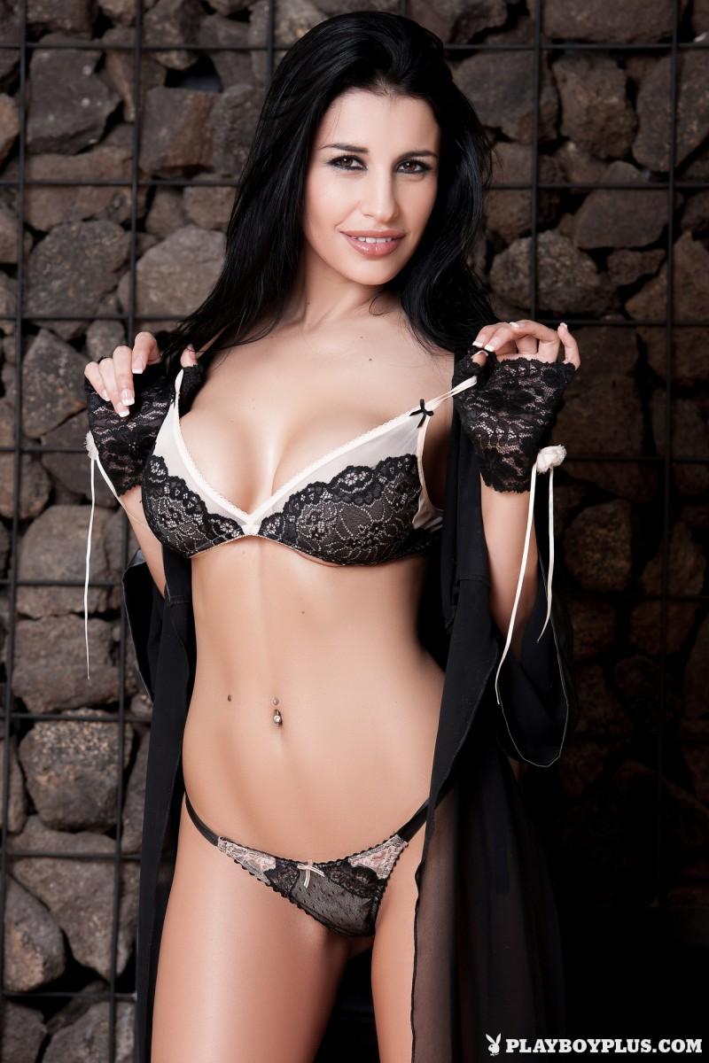 laura-cattay-lingerie-high-heels-naked-playboy-01