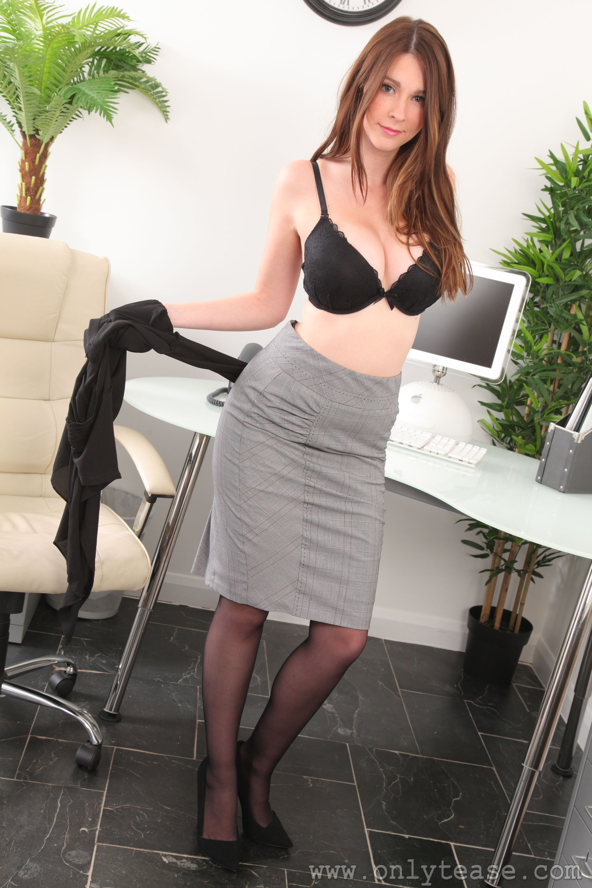 hot nude secretary
