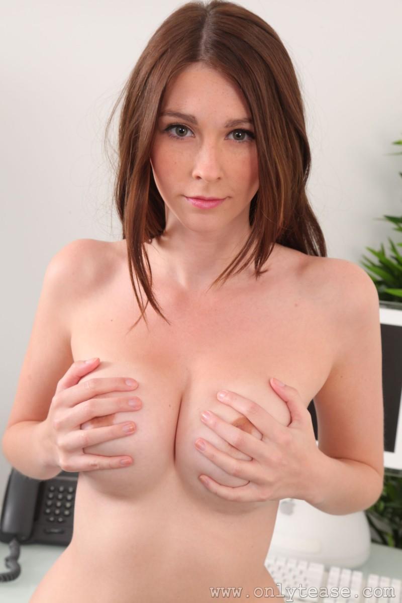 lauren-chelsea-secretary-stockings-nude-onlytease-21