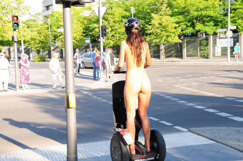 lauren-public-naked-segway-nipactivity-21