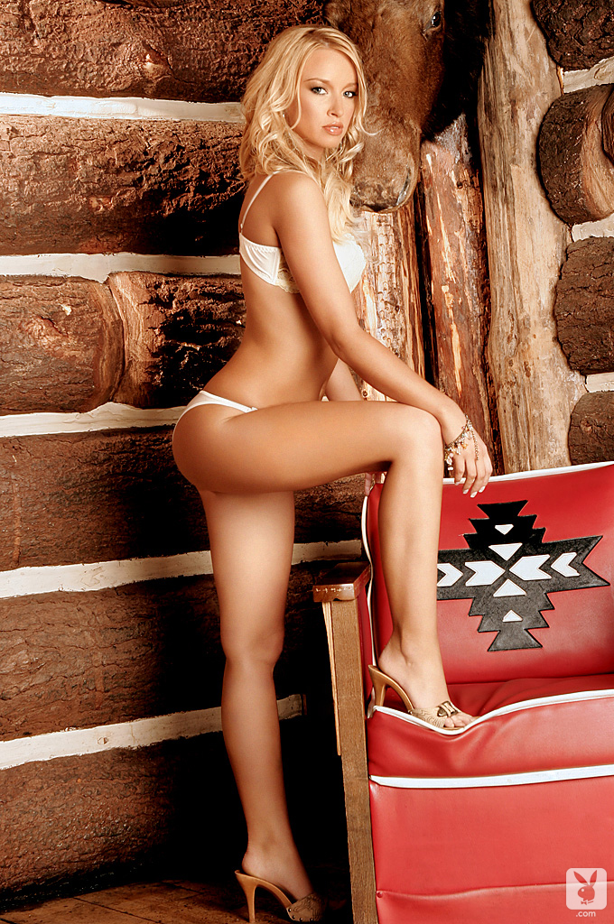 lauren-pope-wood-house-playboy-04