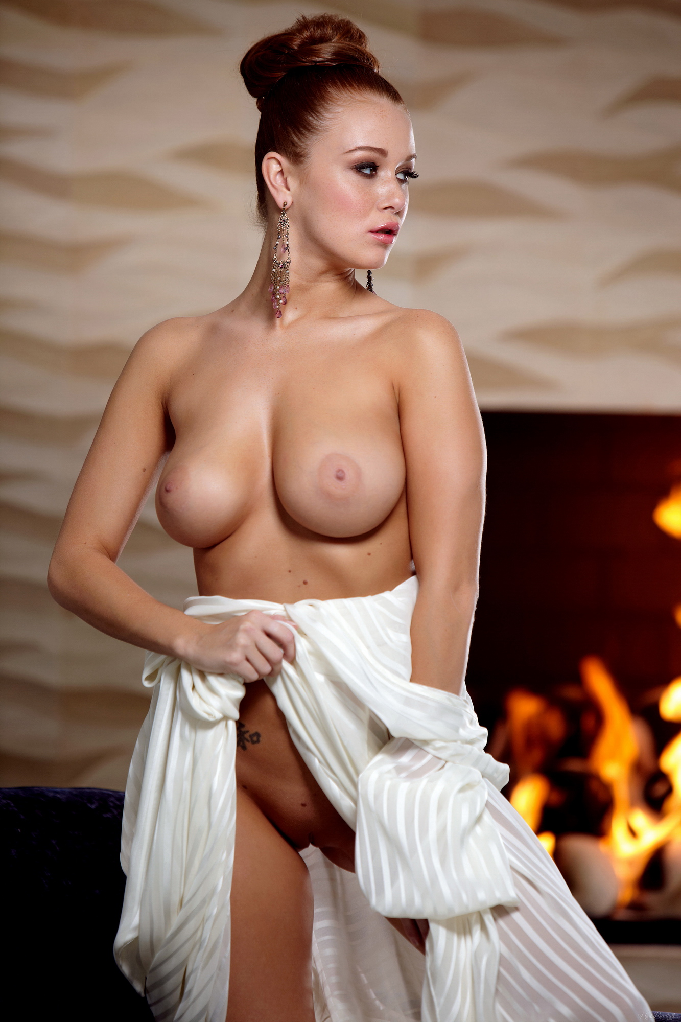 leanna-decker-nude-fireplace-redhead-hollyrandall-10