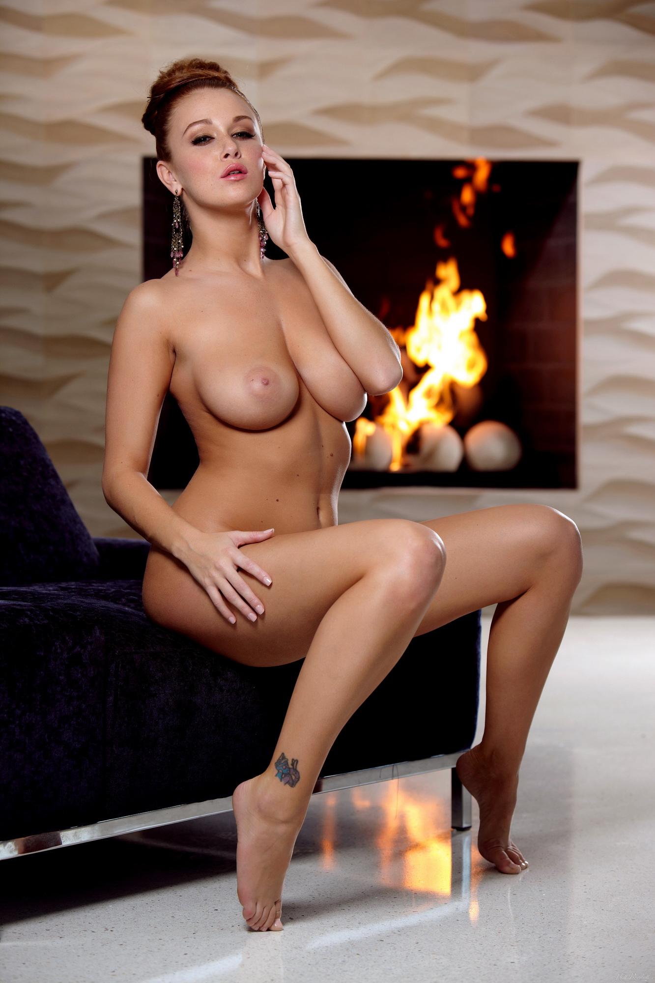 leanna-decker-nude-fireplace-redhead-hollyrandall-24