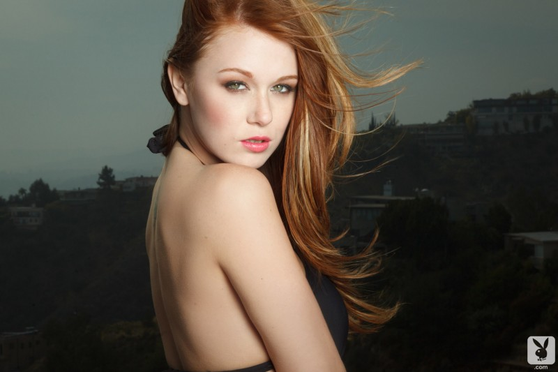 leanna-decker-balcony-playboy-02