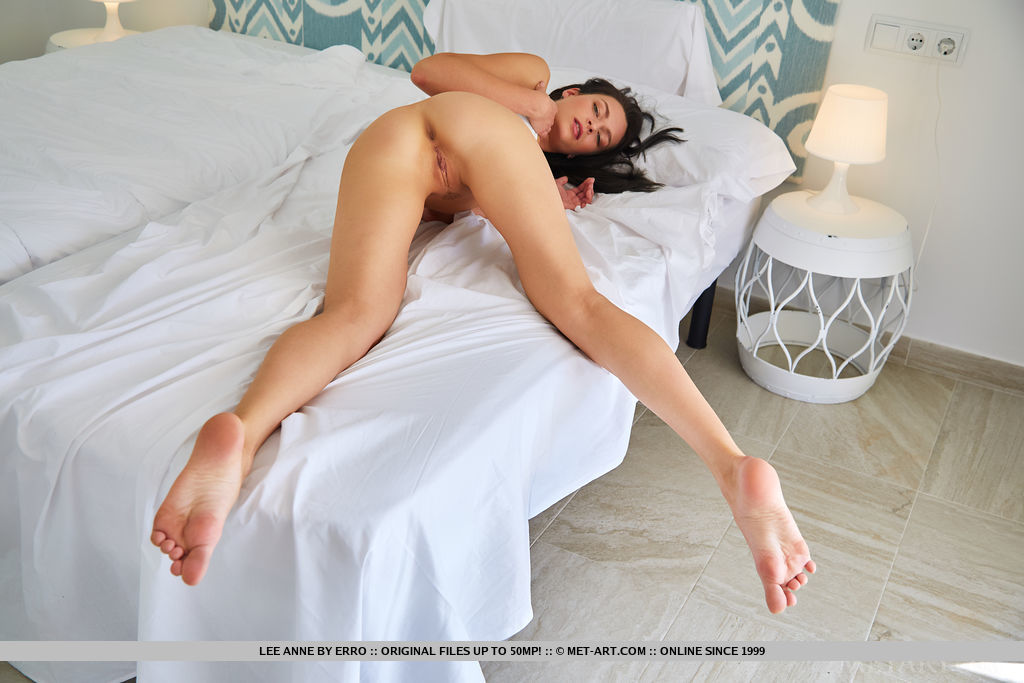 lee-anne-bedroom-naked-slim-long-hair-metart-05