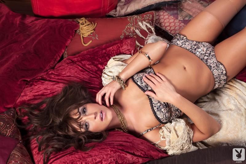 leia-christiana-nude-playboy-04