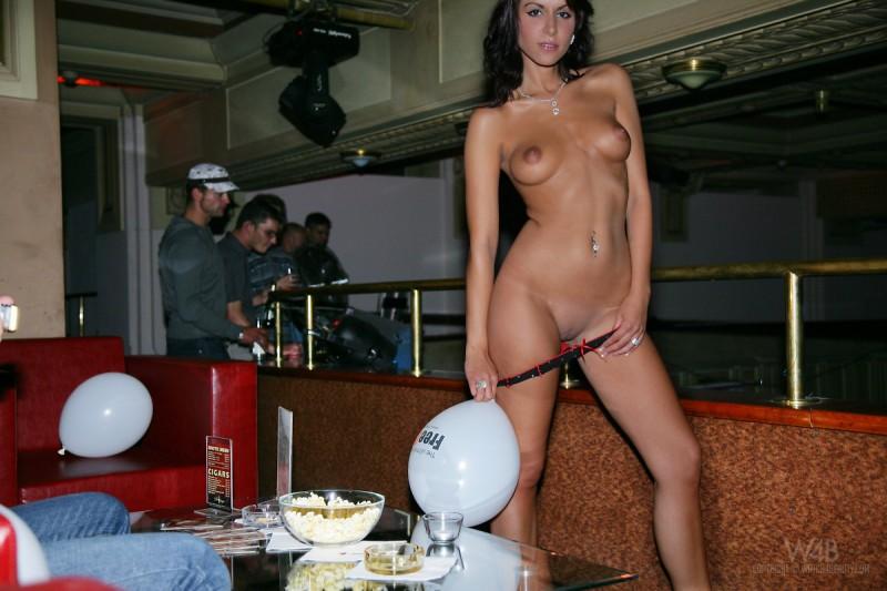 lenka-adamova-party-09