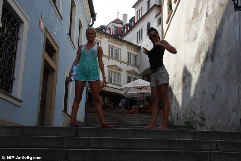 leonelle-&-laura-nude-prague-public-nip-activity-01