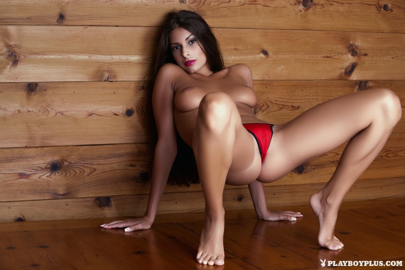 lia-taylor-red-lingerie-naked-playboy-09