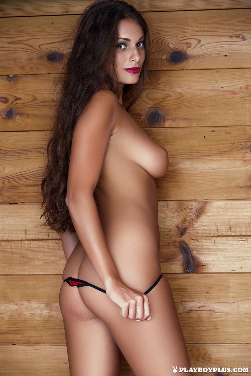 lia-taylor-red-lingerie-naked-playboy-10