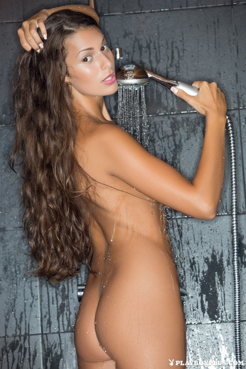 lia-taylor-bathroom-shower-playboy-10