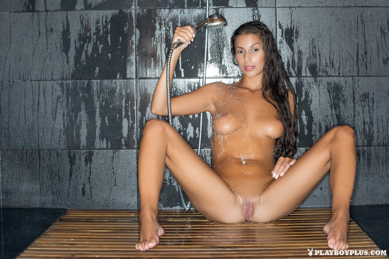 lia-taylor-bathroom-shower-playboy-14