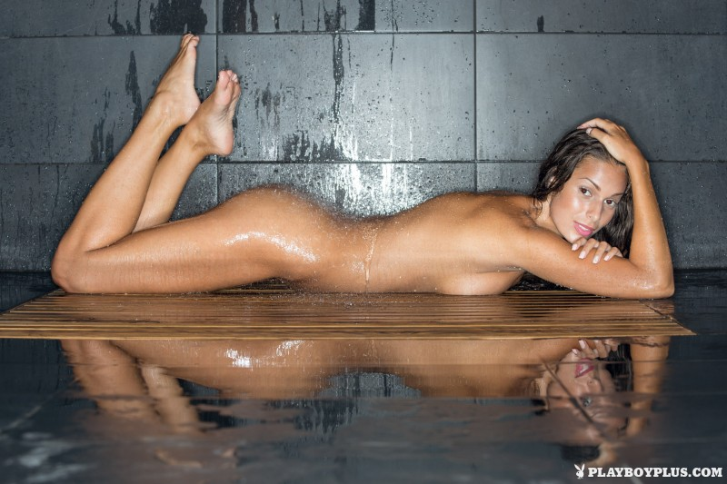 lia-taylor-bathroom-shower-playboy-21