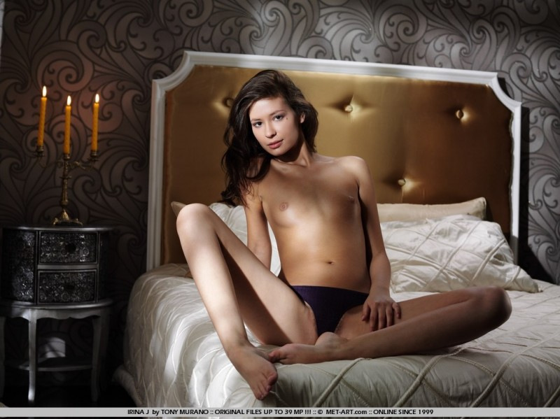irina-j-bed-met-art-05