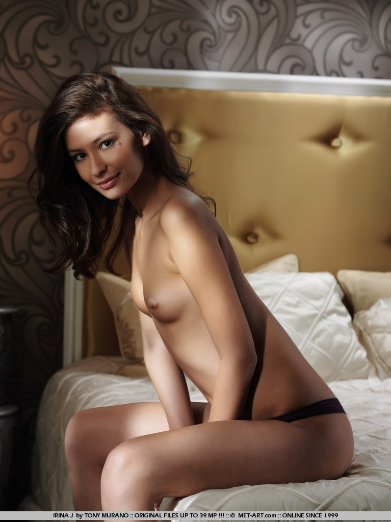 irina-j-bed-met-art-06