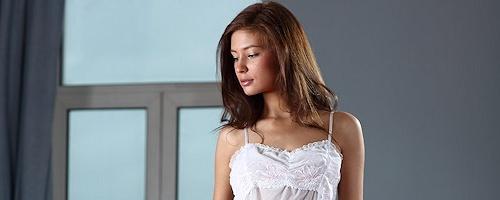 Lidija in white nighty