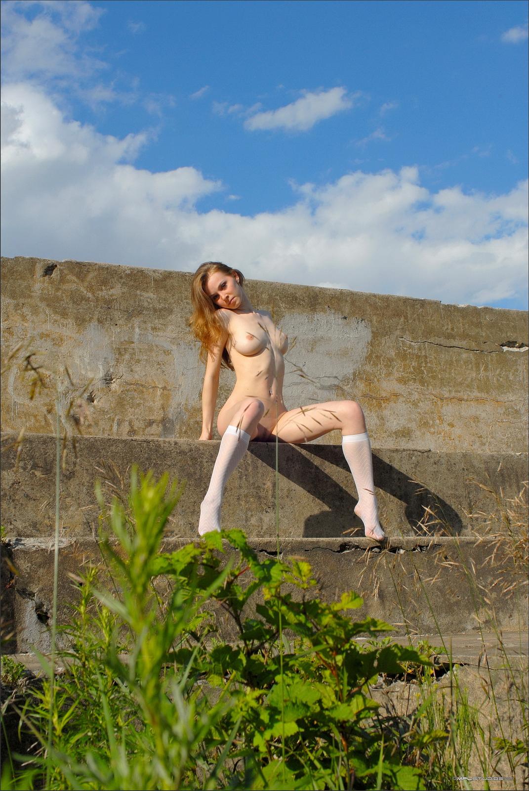 lidiya-concrete-wall-nude-slim-body-mplstudios-22