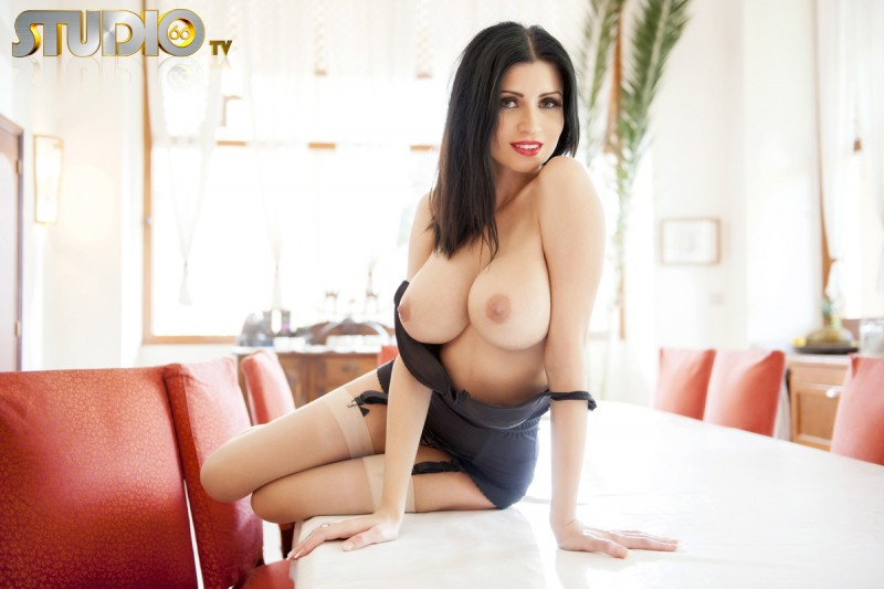 lilly-roma-nude-stockings-studio66tv-17