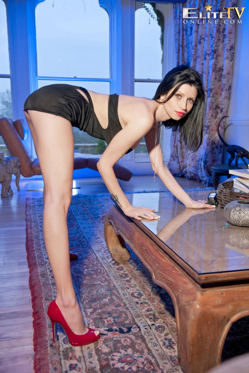 lilly-roma-red-high-heels-elitetv-04