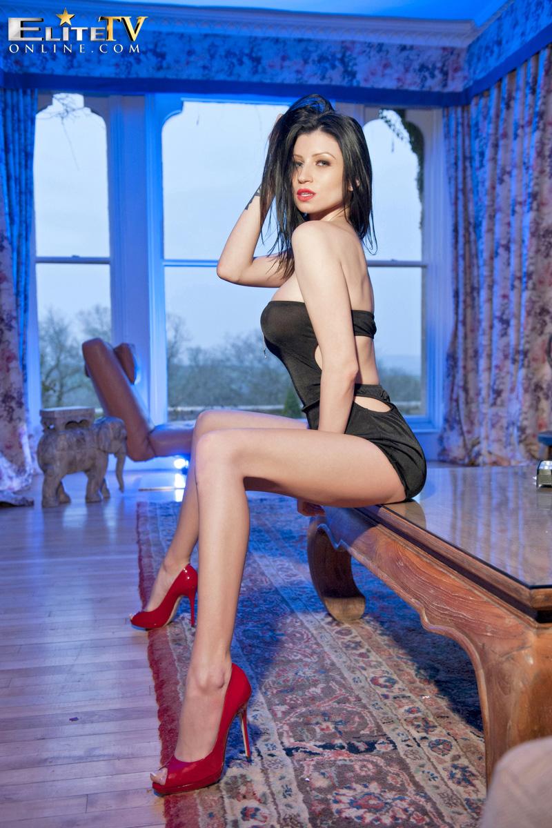 lilly-roma-red-high-heels-elitetv-05