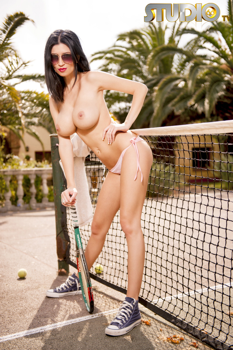 lilly-roma-tennis-court-studio66tv-08