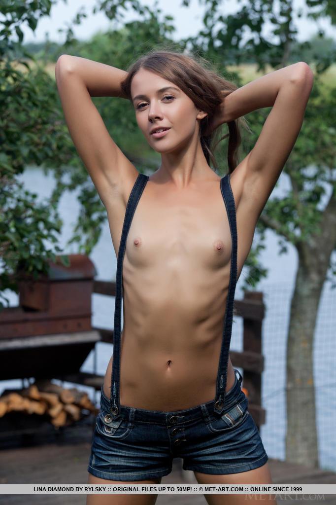 lina-diamond-suspenders-shorts-metart-04