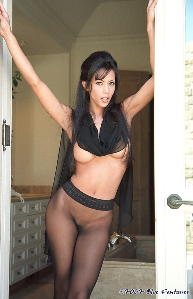 The hottest darkhair fetish woman get out