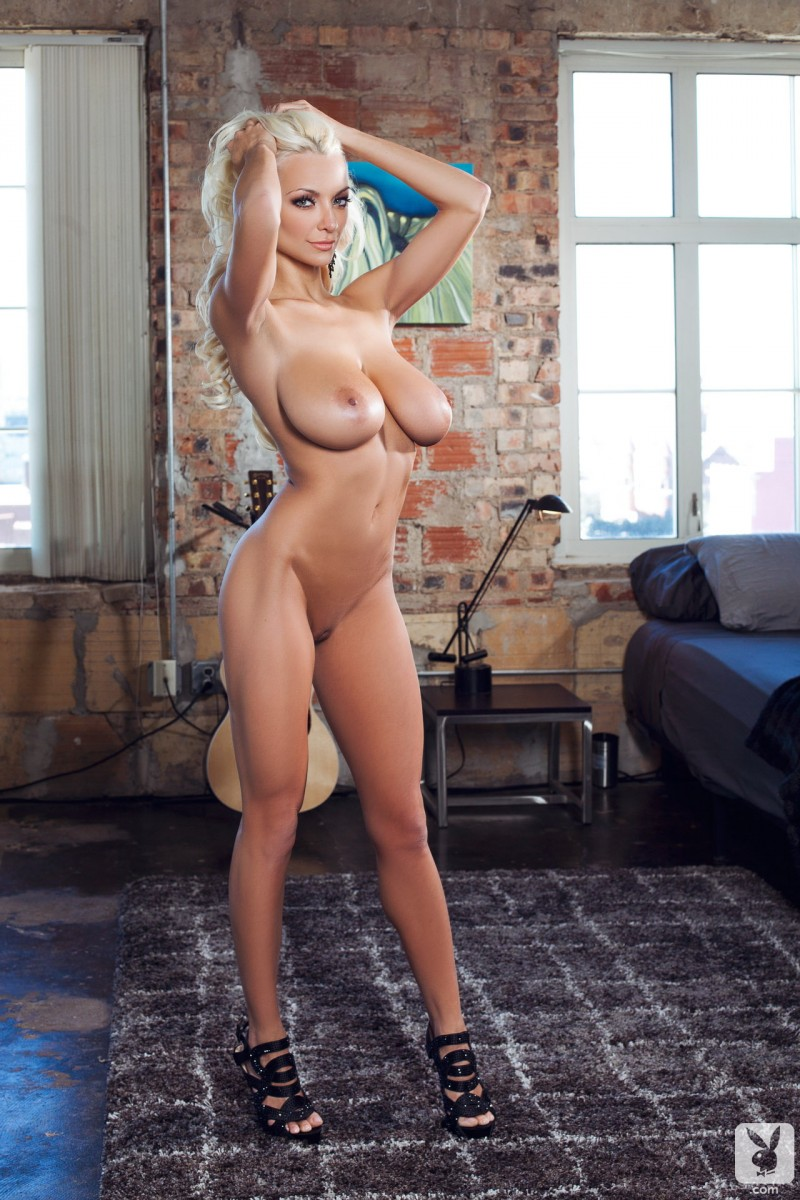 lindsey-pelas-blond-boobs-playboy-08