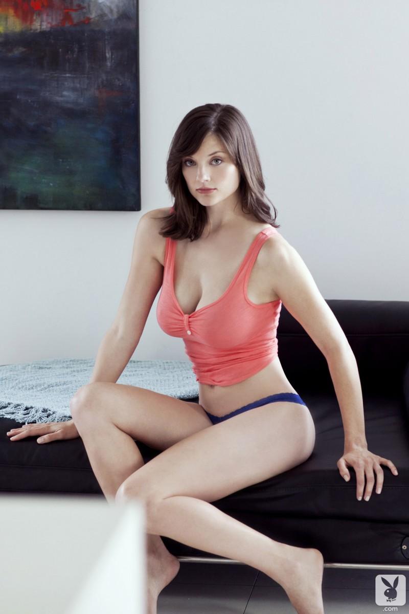lisa-kate-nude-boobs-kitchen-playboy-01
