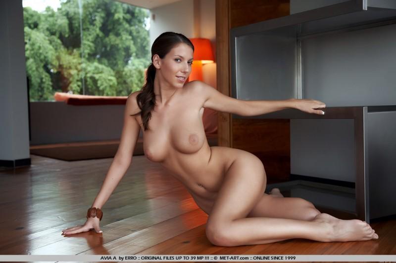 avia-a-floor-naked-met-art-10