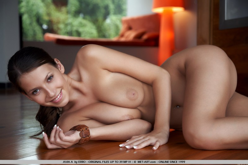 avia-a-floor-naked-met-art-11