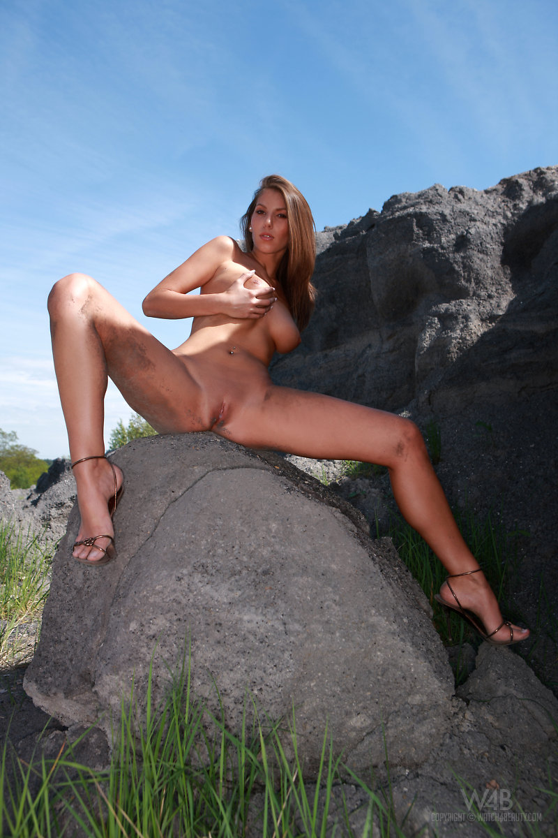 lizzie-rocks-watch4beauty-15