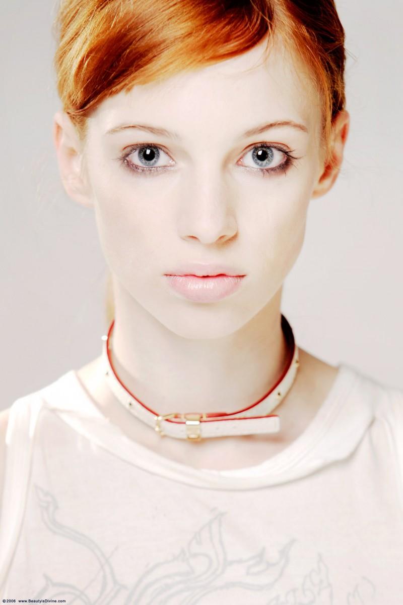 lola-redhead-schoolgirl-punk-beautyisdivine-09