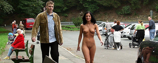 Jana K – Long walk naked