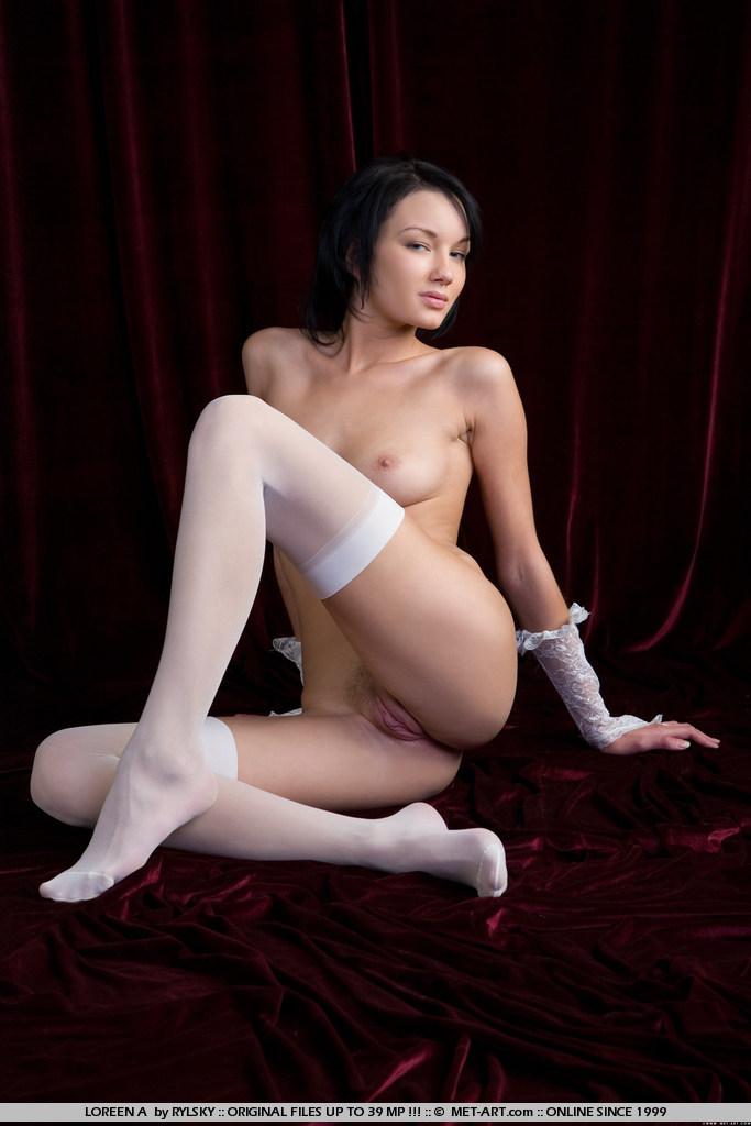loreen-a-white-stockings-met-art-16