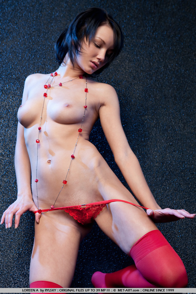loreen-a-red-stockings-met-art-02