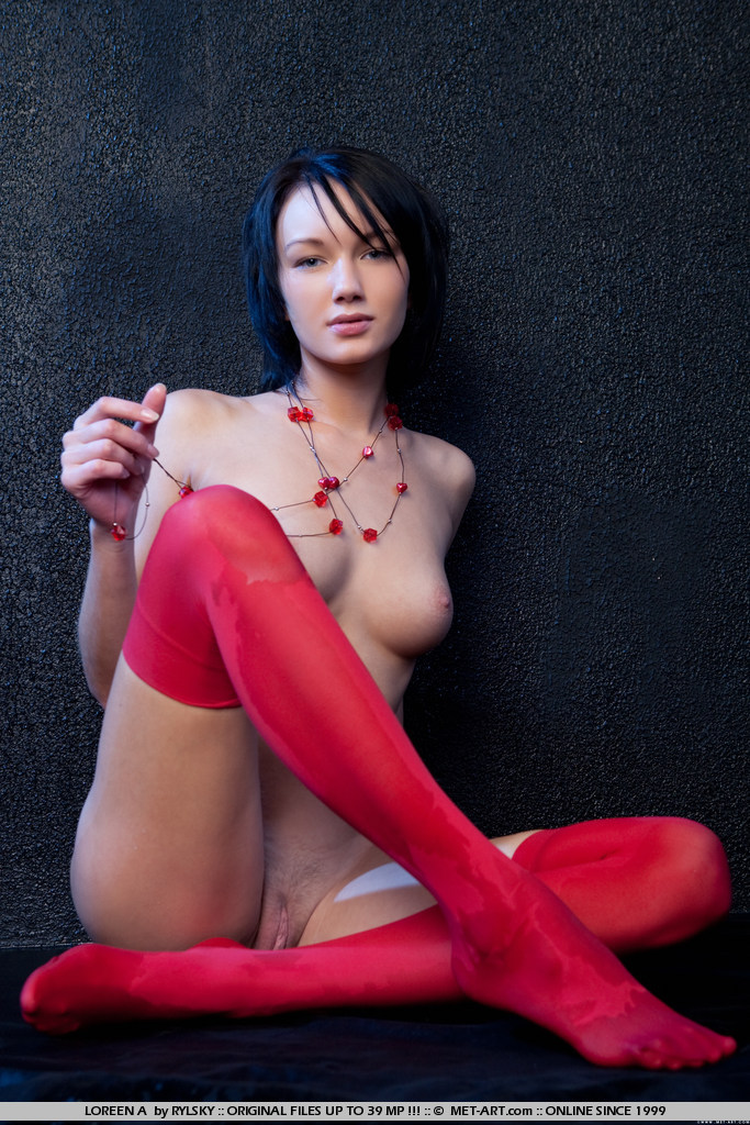 loreen-a-red-stockings-met-art-09