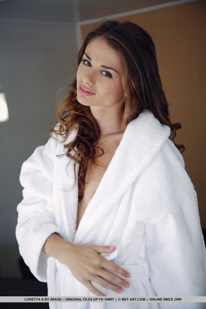 loretta-a-white-bathrobe-naked-metart-02