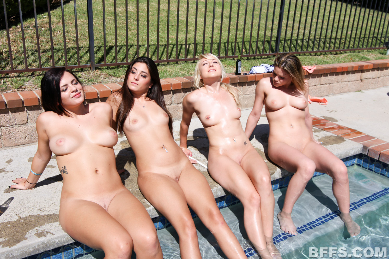 naked-girls-in-group-mix-vol3-38