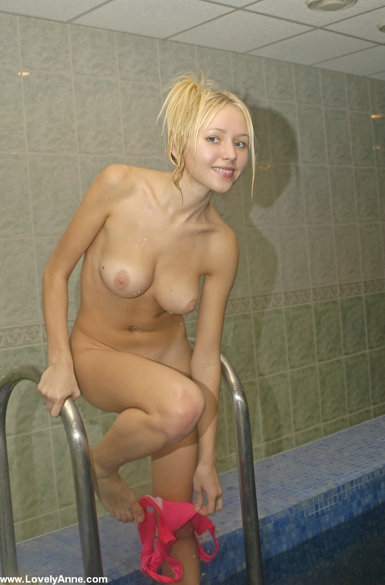 lovely-anne-nude-indoor-pool-11