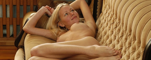 Lovely Anne – Nude on couch