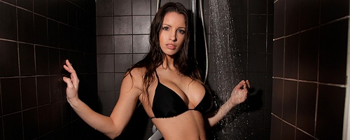 Luciana in the shower