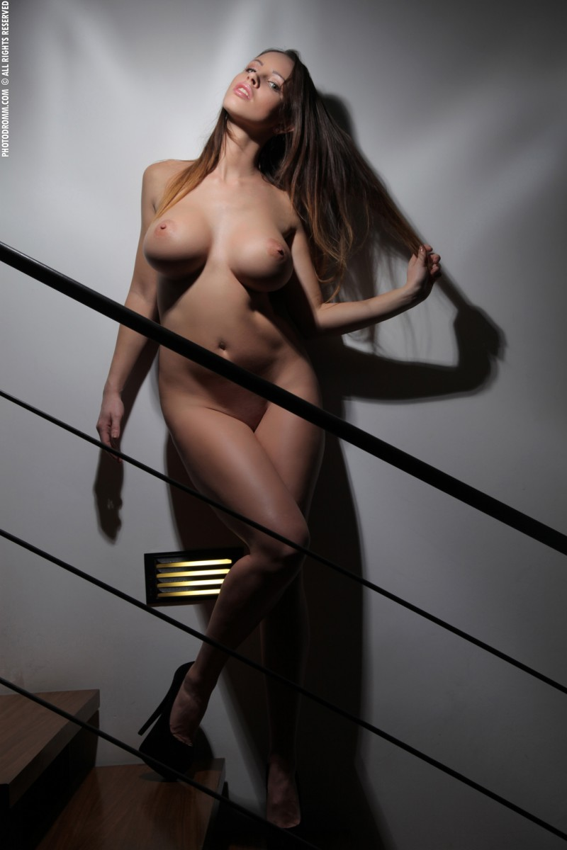 luciana-boobs-stairs-nude-photodromm-16